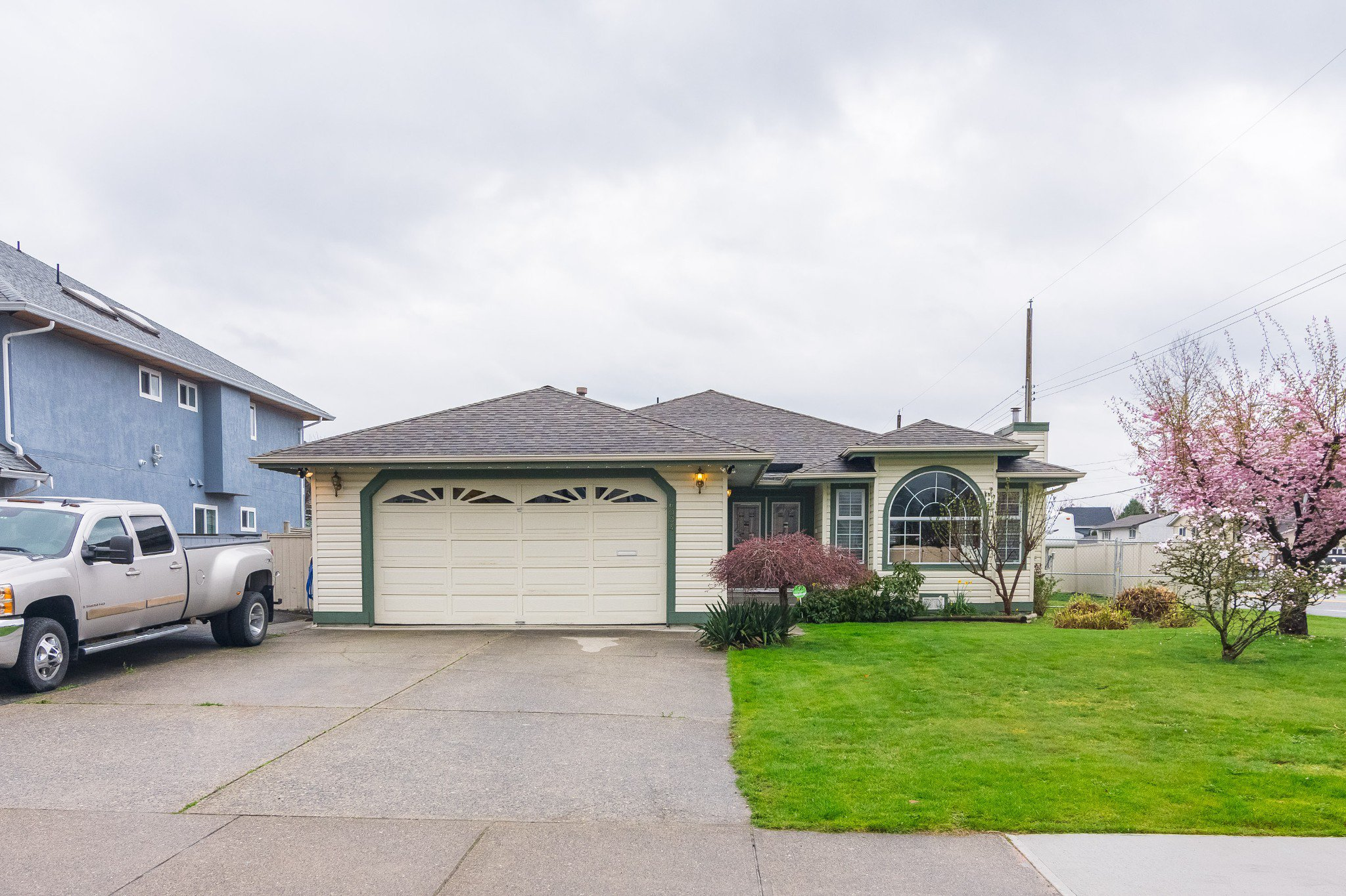 Welcome to 6004 - 170 St., Cloverdale! Enough space to park 8 vehicles on this wide driveway.