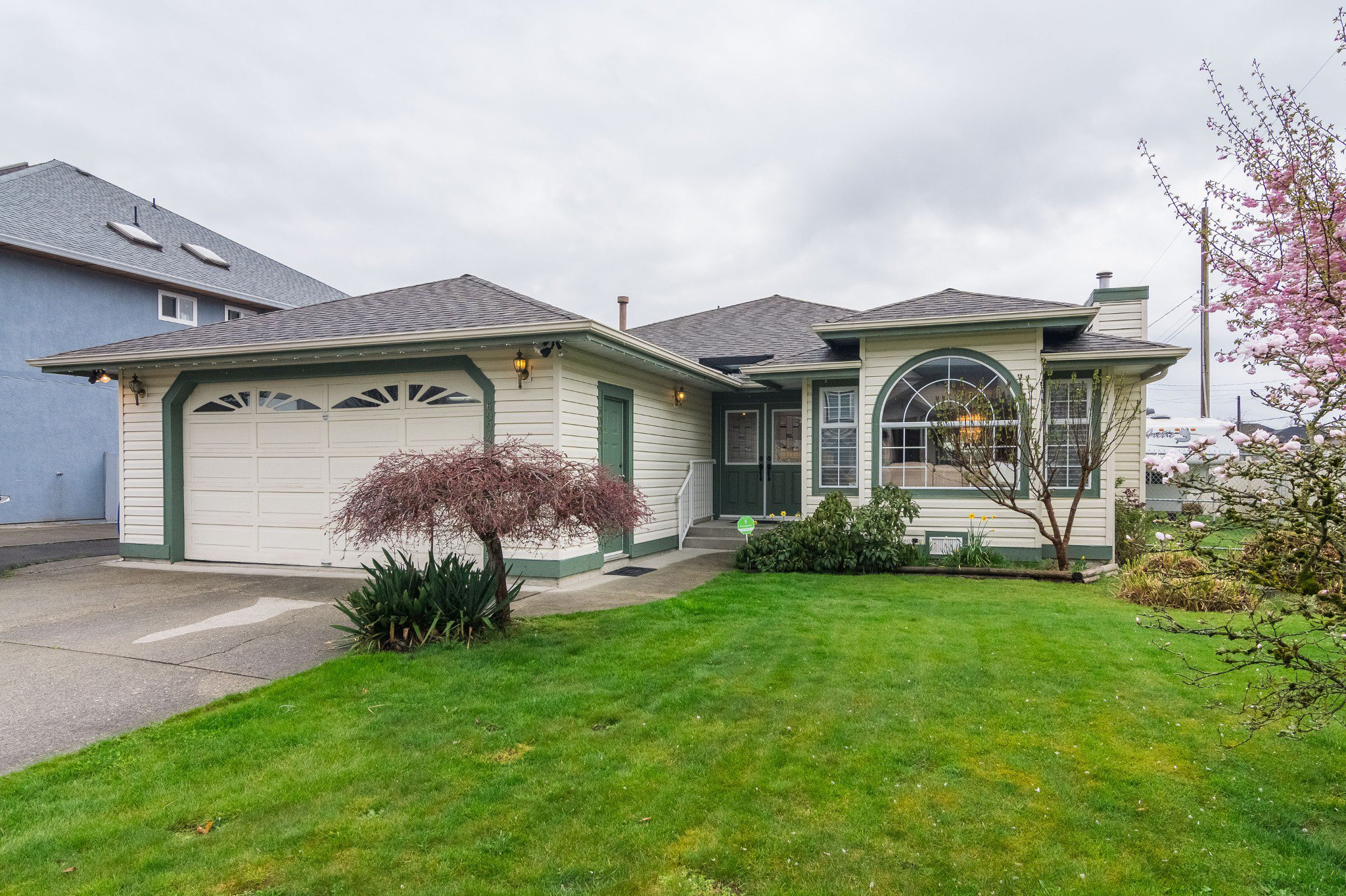 Photo 34: Photos: 6004 170 Street in Surrey: Cloverdale BC House for sale (Cloverdale)  : MLS®# R2355466