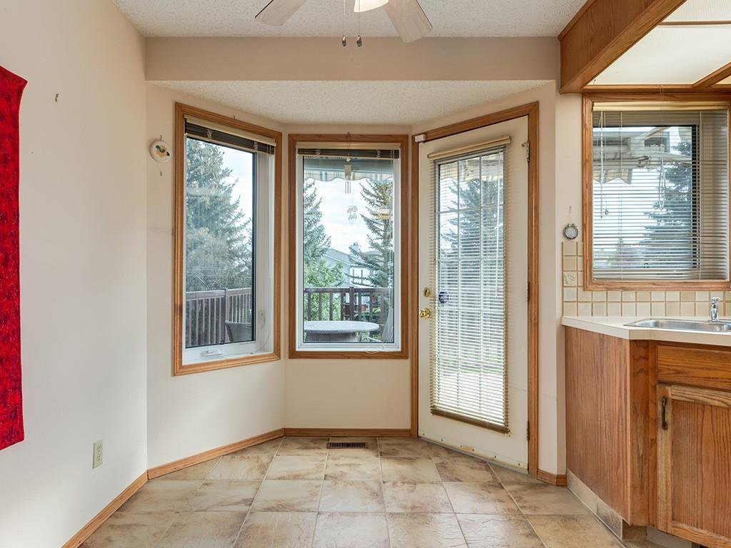 Photo 12: Photos: 212 MACEWAN VALLEY Mews NW in Calgary: MacEwan Glen Detached for sale : MLS®# C4281260