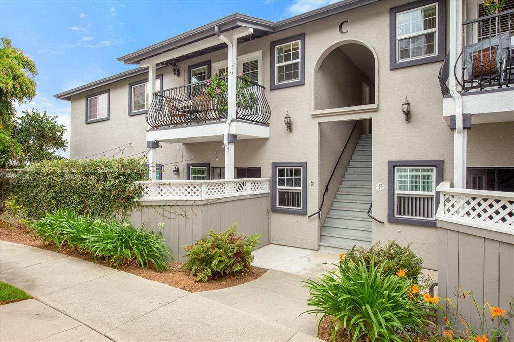 Main Photo: OCEANSIDE Condo for sale : 3 bedrooms : 506 Canyon Dr #10