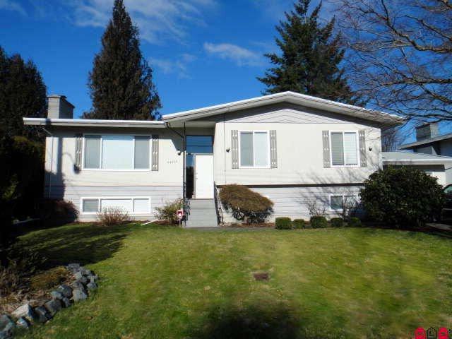Main Photo: 46055 Fiesta Avenue in Chilliwack: Fairfield Island House for sale : MLS®# H1100640