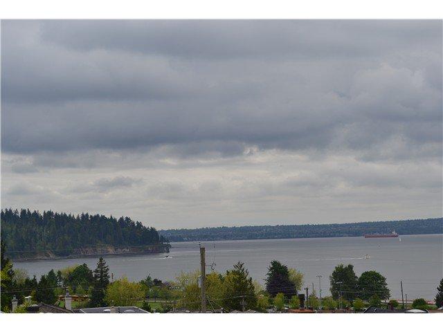 Main Photo: 1206 ESQUIMALT AV in West Vancouver: Ambleside House for sale : MLS®# V1009719