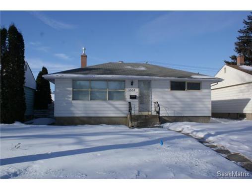 Main Photo: 1008 WALKER Street in Regina: Rosemont Single Family Dwelling for sale (Regina Area 02)  : MLS®# 523318