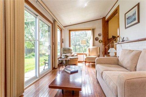 Photo 15: Photos: 15 Ferguson Avenue in Whitby: Brooklin House (Bungalow) for sale : MLS®# E3214981