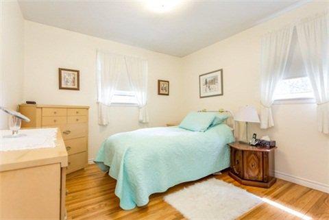Photo 3: Photos: 15 Ferguson Avenue in Whitby: Brooklin House (Bungalow) for sale : MLS®# E3214981