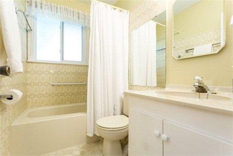 Photo 5: Photos: 15 Ferguson Avenue in Whitby: Brooklin House (Bungalow) for sale : MLS®# E3214981