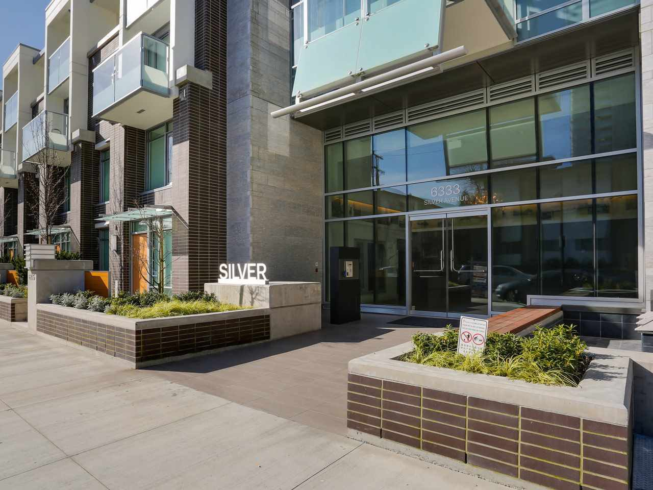 Main Photo: 3209 6333 SILVER Avenue in Burnaby: Metrotown Condo for sale (Burnaby South)  : MLS®# R2037515