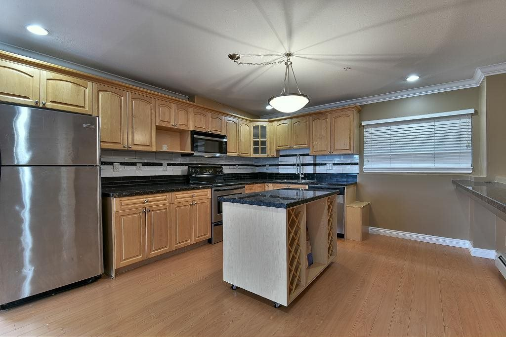 "Photo 4: Photos: 1142 BENNET Drive in Port Coquitlam: Citadel PQ Townhouse for sale in ""THE SUMMIT"" : MLS®# R2120943"
