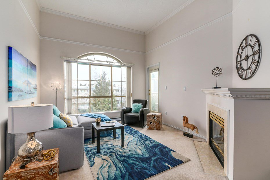 """Main Photo: 302 8580 GENERAL CURRIE Road in Richmond: Brighouse South Condo for sale in """"Queen's Gate"""" : MLS®# R2135622"""