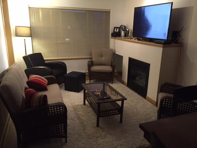 """Main Photo: 202 38003 SECOND Avenue in Squamish: Downtown SQ Condo for sale in """"Squamish Pointe"""" : MLS®# R2151490"""