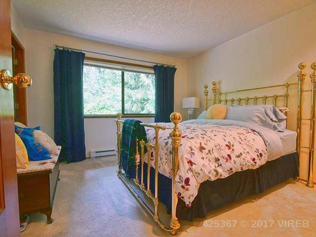 Photo 9: Photos: 641 TYEE Crescent in QUALICUM BEACH: Z5 Qualicum Beach House for sale (Zone 5 - Parksville/Qualicum)  : MLS®# 425367