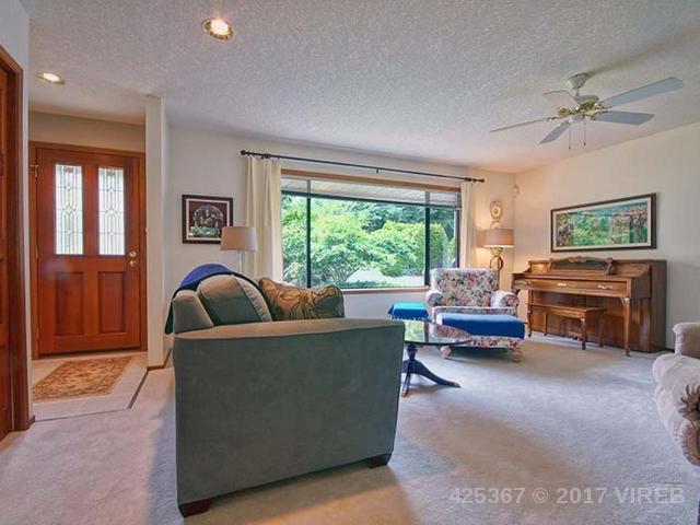 Photo 3: Photos: 641 TYEE Crescent in QUALICUM BEACH: Z5 Qualicum Beach House for sale (Zone 5 - Parksville/Qualicum)  : MLS®# 425367