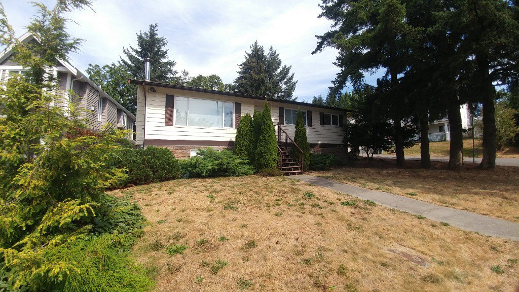 Main Photo: 34779 Marshall Rd in Abbotsford: Abbotsford East House for rent