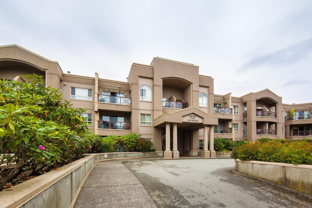 "Main Photo: 107 2109 ROWLAND Street in Port Coquitlam: Central Pt Coquitlam Condo for sale in ""PARKVIEW PLACE"" : MLS®# R2216847"