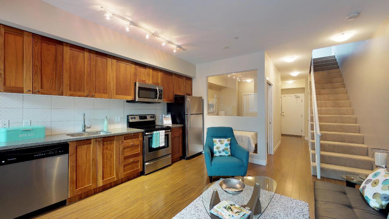 "Main Photo: 406 37841 CLEVELAND Avenue in Squamish: Downtown SQ Condo for sale in ""Studio SQ"" : MLS®# R2238890"