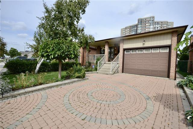 Main Photo: 4143 Hickory Drive in Mississauga: Rathwood House (Backsplit 5) for sale : MLS®# W4261071