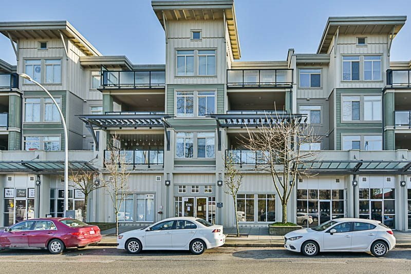 "Main Photo: 324 10180 153 Street in Surrey: Guildford Condo for sale in ""Charlton Park"" (North Surrey)  : MLS®# R2321763"