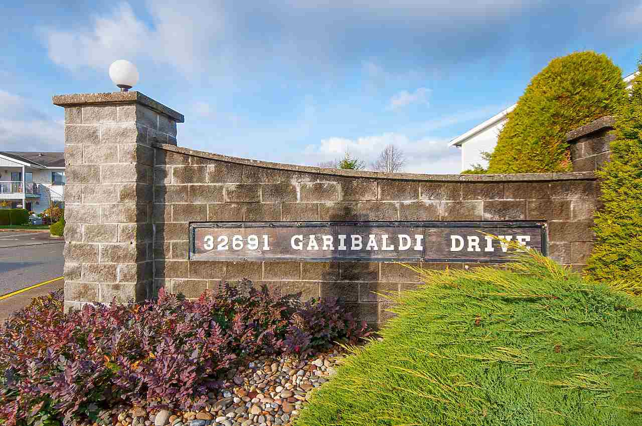 """Photo 20: Photos: 169 32691 GARIBALDI Drive in Abbotsford: Abbotsford West Townhouse for sale in """"Carriage Lane"""" : MLS®# R2322722"""
