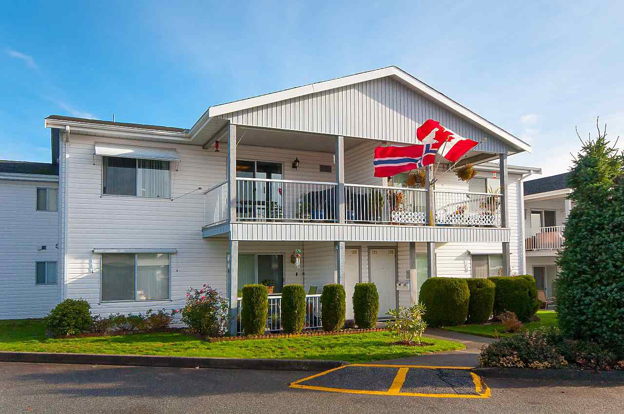 """Photo 15: Photos: 169 32691 GARIBALDI Drive in Abbotsford: Abbotsford West Townhouse for sale in """"Carriage Lane"""" : MLS®# R2322722"""
