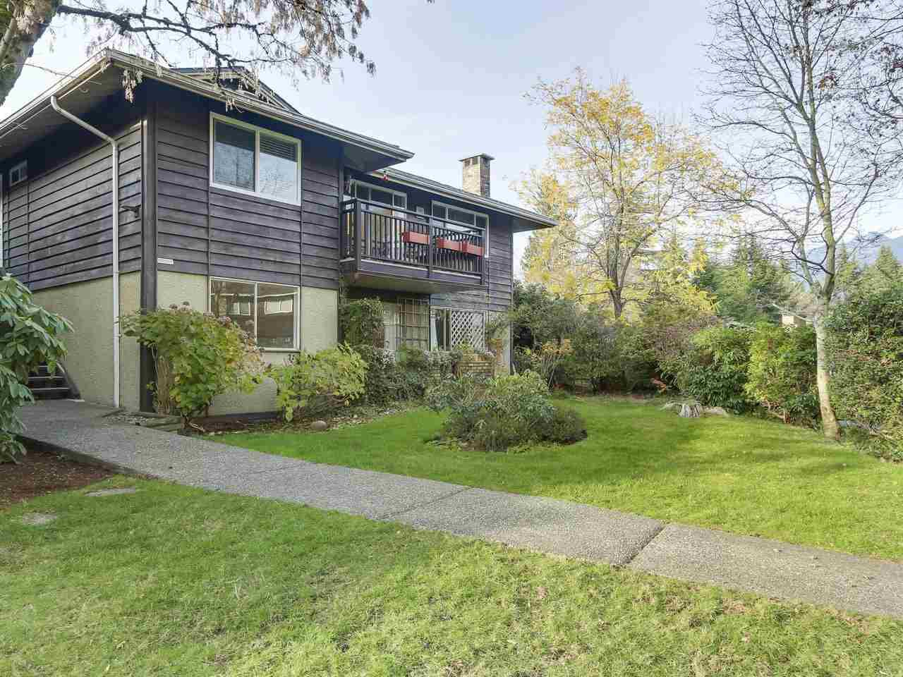 "Main Photo: 1203 555 W 28TH Street in North Vancouver: Upper Lonsdale Townhouse for sale in ""CEDAR BROOK VILLAGE"" : MLS®# R2324026"
