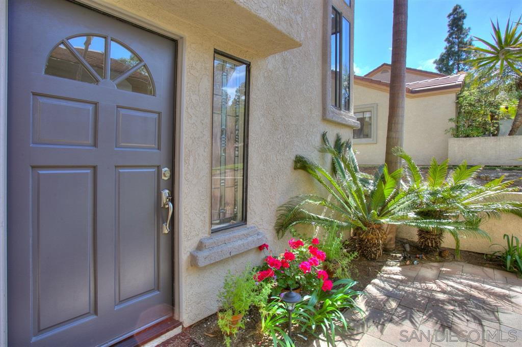 Photo 3: Photos: CARMEL VALLEY Townhome for rent : 3 bedrooms : 3631 Fallon Circle in San Diego