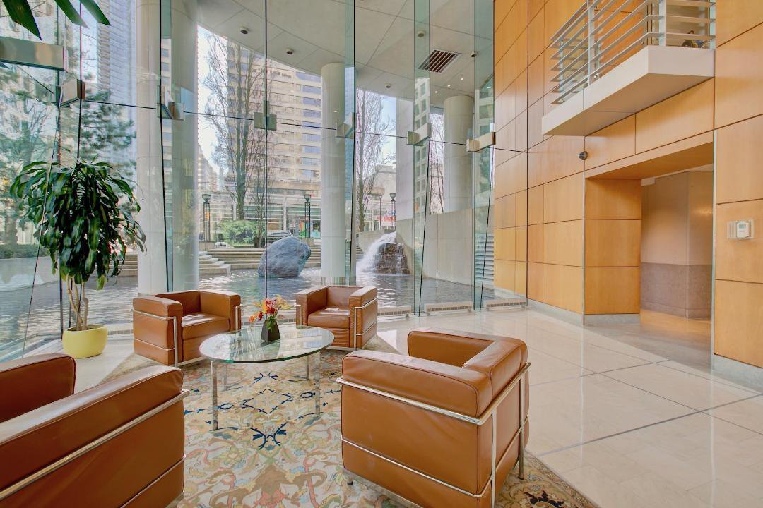 """Main Photo: 306 1200 ALBERNI Street in Vancouver: West End VW Condo for sale in """"PALISADES"""" (Vancouver West)  : MLS®# R2349313"""