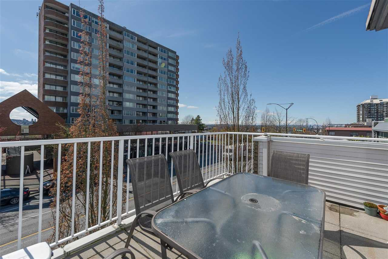 "Main Photo: 305 3939 HASTINGS Street in Burnaby: Vancouver Heights Condo for sale in ""THE SIENNA"" (Burnaby North)  : MLS®# R2359250"