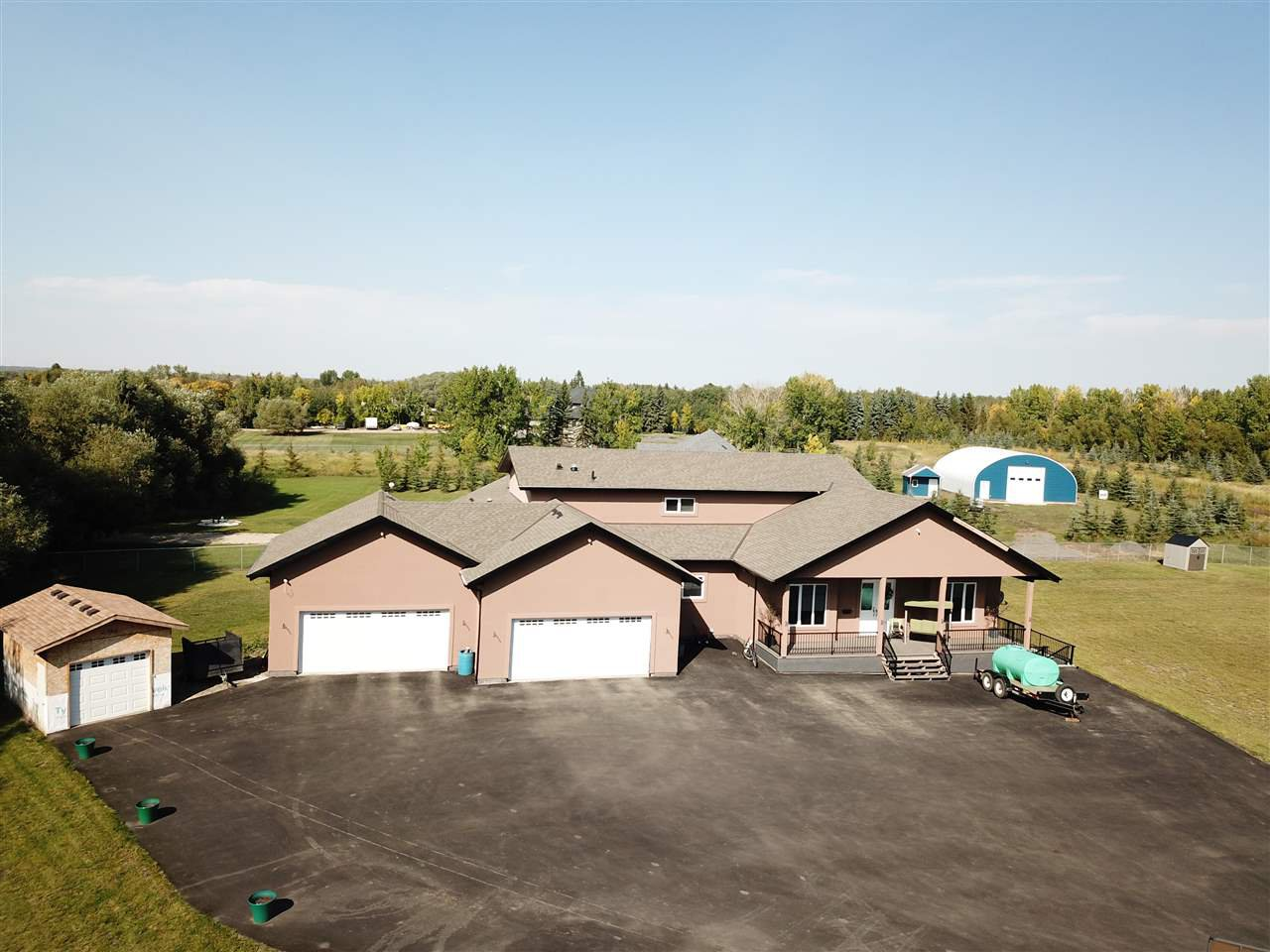 Main Photo: 200, 23549 Twp Rd 510: Rural Leduc County House for sale : MLS®# E4185348