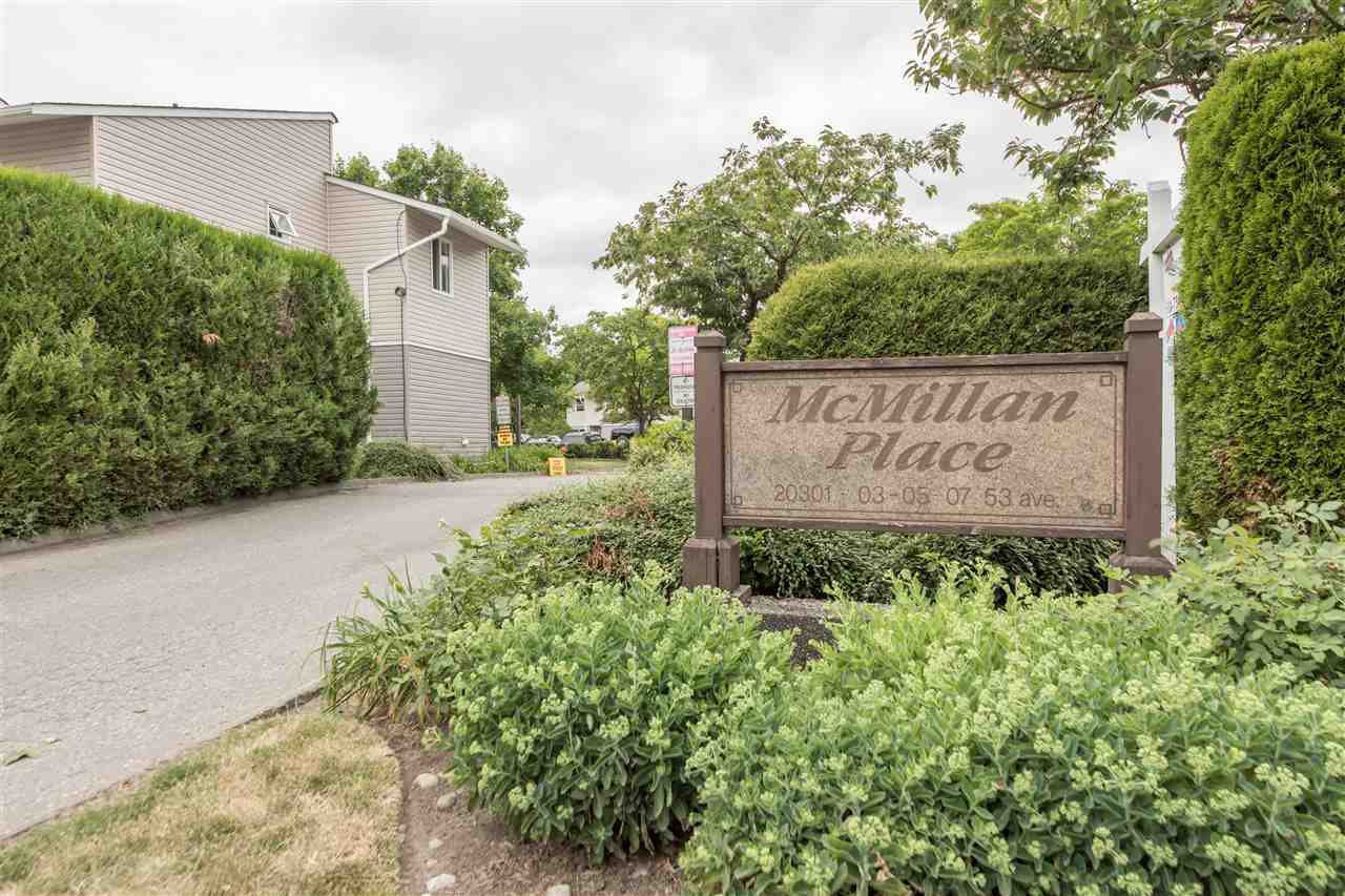 Main Photo: 11 20303 53 AVENUE in : Langley City Townhouse for sale : MLS®# R2282369
