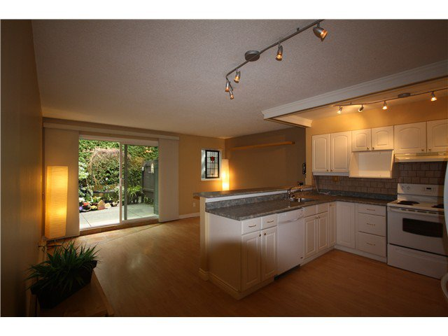 """Main Photo: 11 460 W 16TH Avenue in Vancouver: Cambie Townhouse for sale in """"Cambie Square"""" (Vancouver West)  : MLS®# V1054620"""