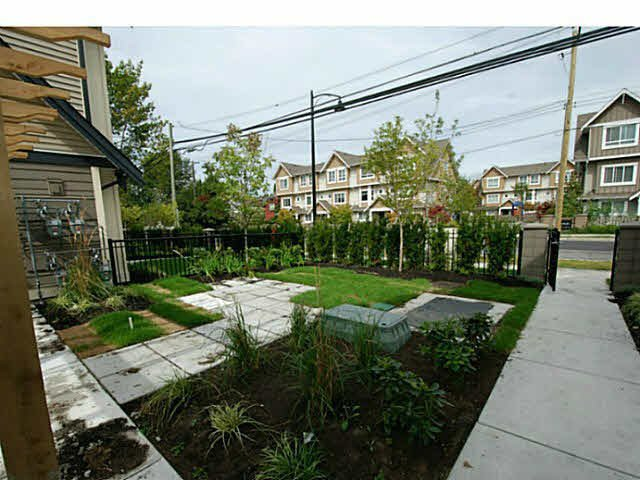 Photo 4: Photos: 9 7028 ASH Street in Richmond: McLennan North Townhouse for sale : MLS®# V1099889