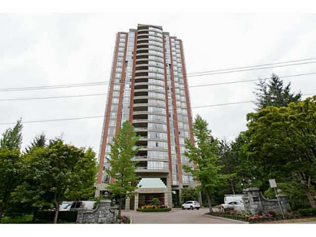 "Main Photo: 404 6888 STATION HILL Drive in Burnaby: South Slope Condo for sale in ""SAVOY CARLETON"" (Burnaby South)  : MLS®# V1140182"
