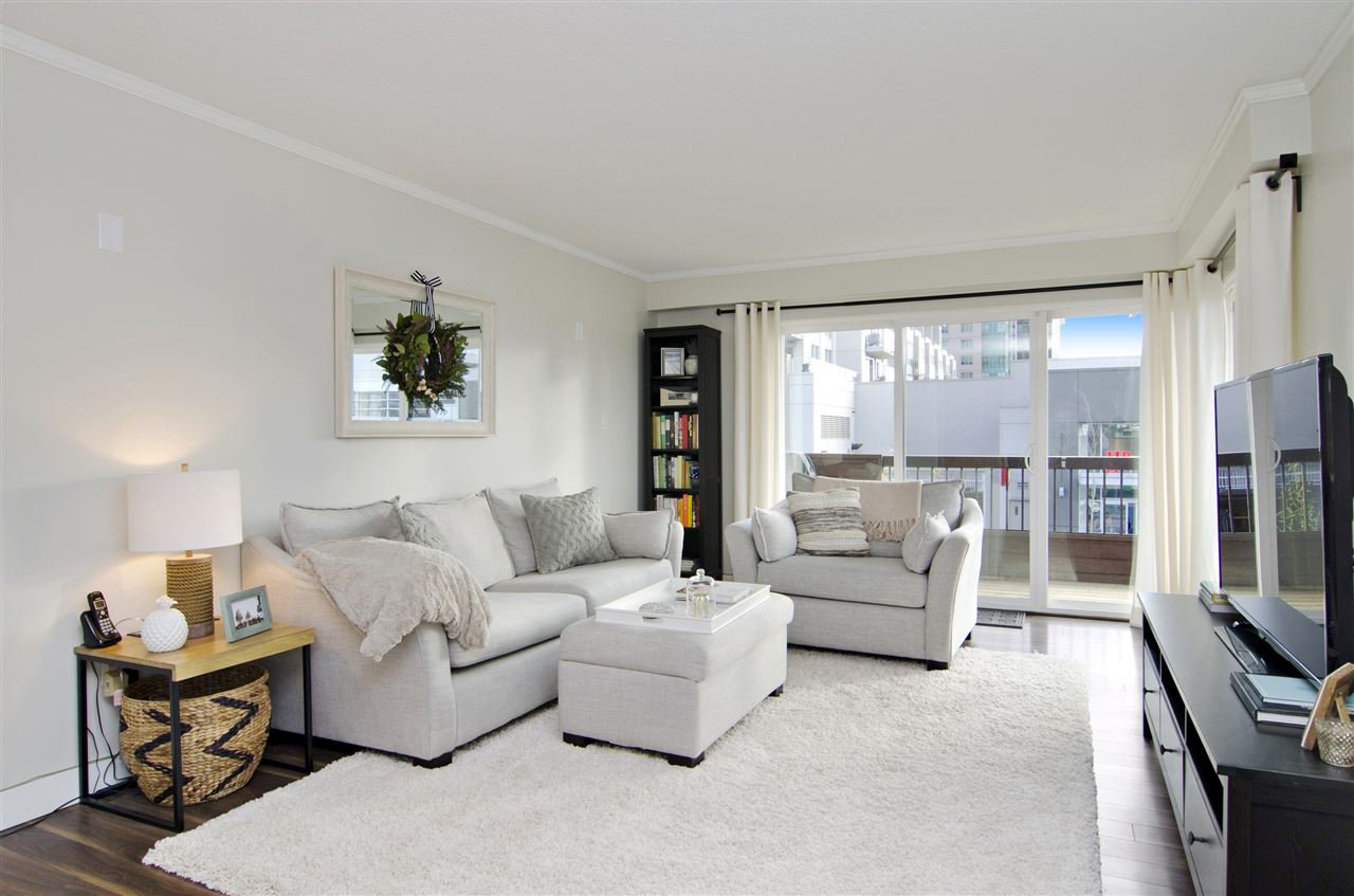 Main Photo: 203 122 E 17TH STREET in : Central Lonsdale Condo for sale : MLS®# R2034707