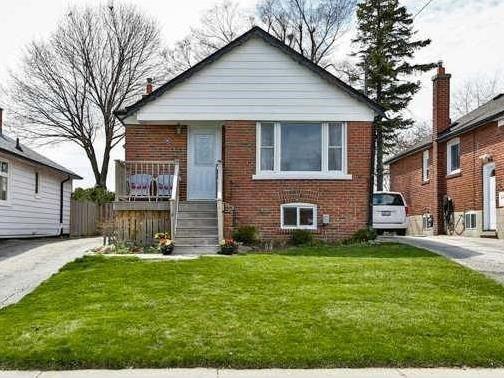 Main Photo: 90 Aylesworth Avenue in Toronto: Birchcliffe-Cliffside House (Bungalow) for sale (Toronto E06)  : MLS®# E3476957