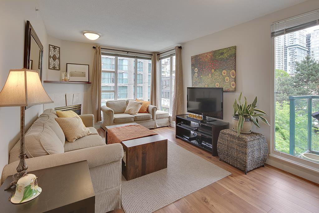 "Main Photo: 602 939 HOMER Street in Vancouver: Yaletown Condo for sale in ""PINNACLE"" (Vancouver West)  : MLS®# R2065110"