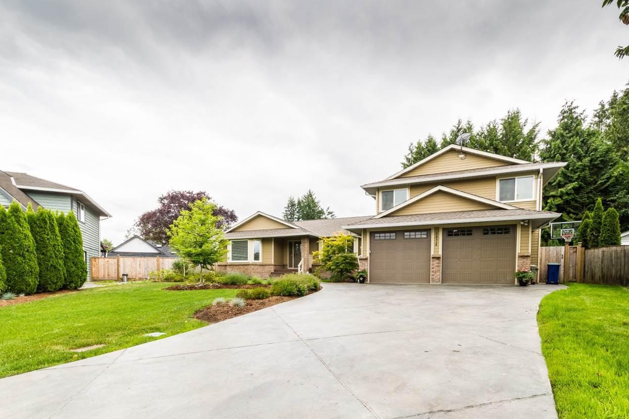 Main Photo: 20316 123B Avenue in Maple Ridge: Northwest Maple Ridge House for sale : MLS®# R2072552