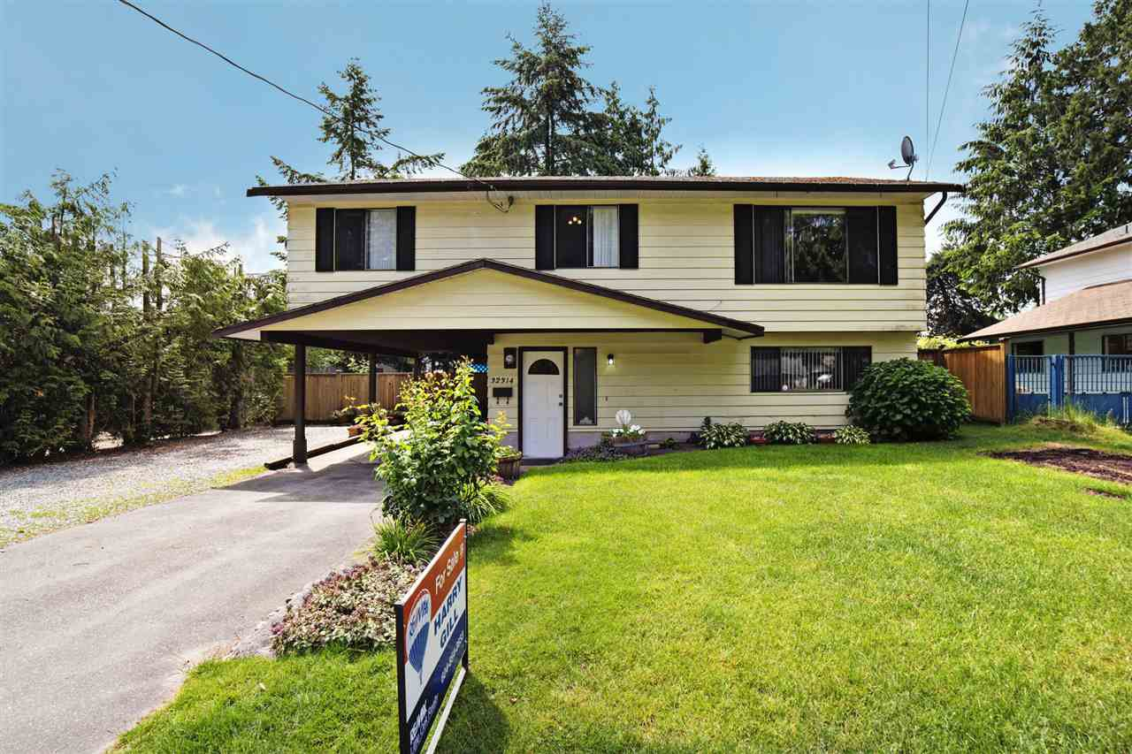 Main Photo: 32314 14TH Avenue in Mission: Mission BC House for sale : MLS®# R2073264