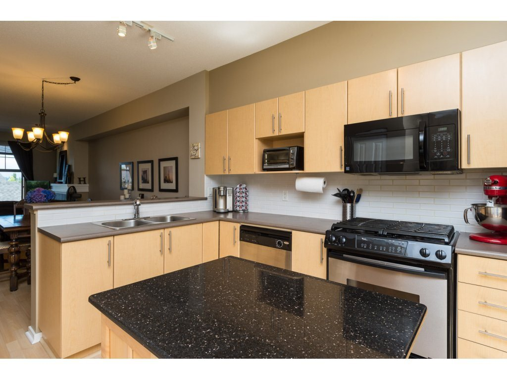 """Photo 8: Photos: 119 15152 62A Avenue in Surrey: Sullivan Station Townhouse for sale in """"UPLANDS"""" : MLS®# R2095709"""