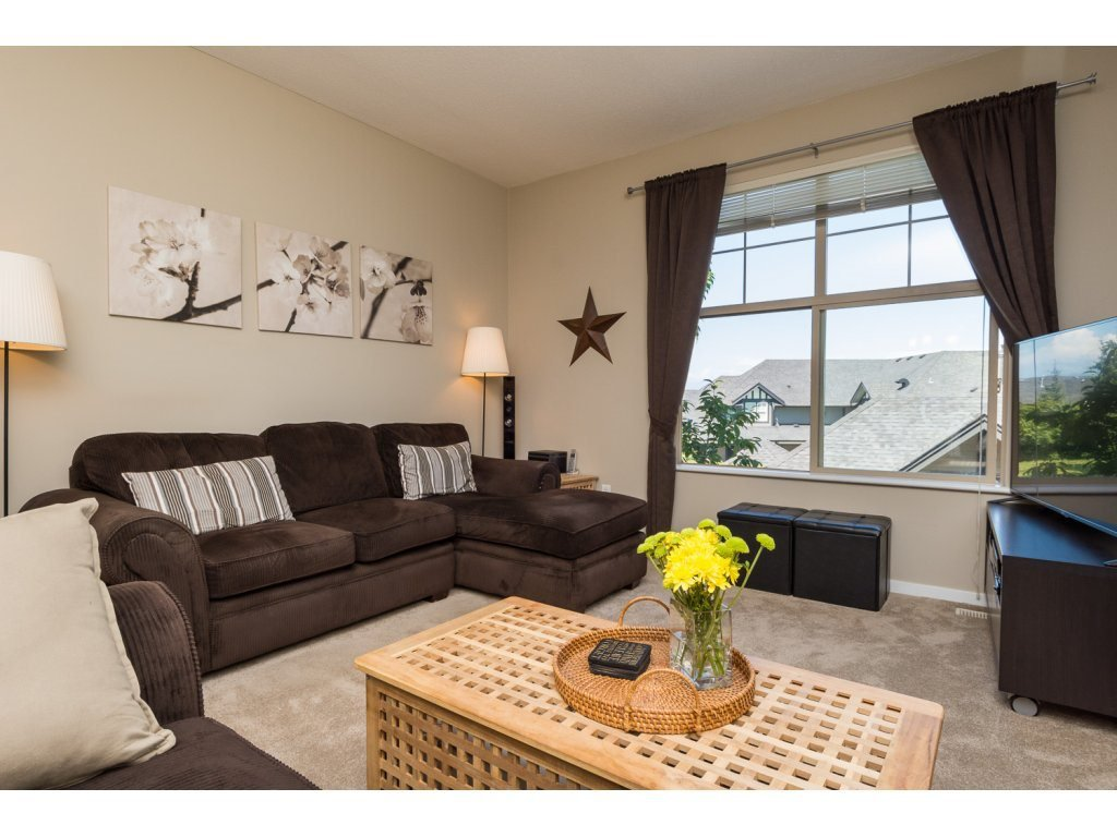 """Photo 2: Photos: 119 15152 62A Avenue in Surrey: Sullivan Station Townhouse for sale in """"UPLANDS"""" : MLS®# R2095709"""