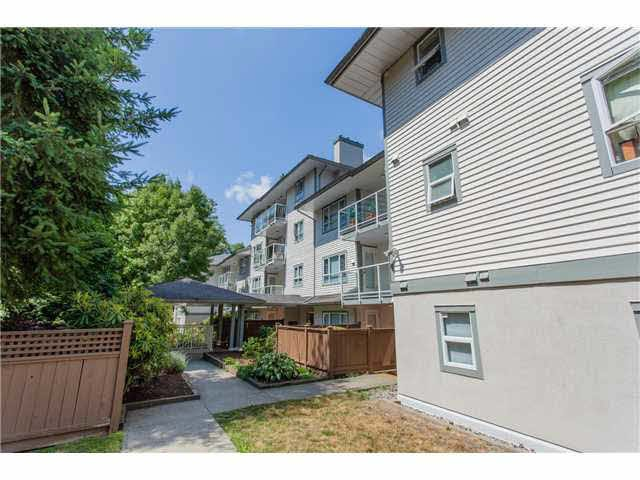 Main Photo: 302 5577 SMITH AVENUE in : Central Park BS Condo for sale : MLS®# V1136707