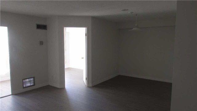 Photo 3: Photos: 1405 115 Hillcrest Avenue in Mississauga: Cooksville Condo for sale : MLS®# W3682076