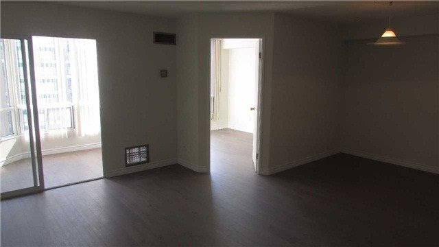 Photo 4: Photos: 1405 115 Hillcrest Avenue in Mississauga: Cooksville Condo for sale : MLS®# W3682076