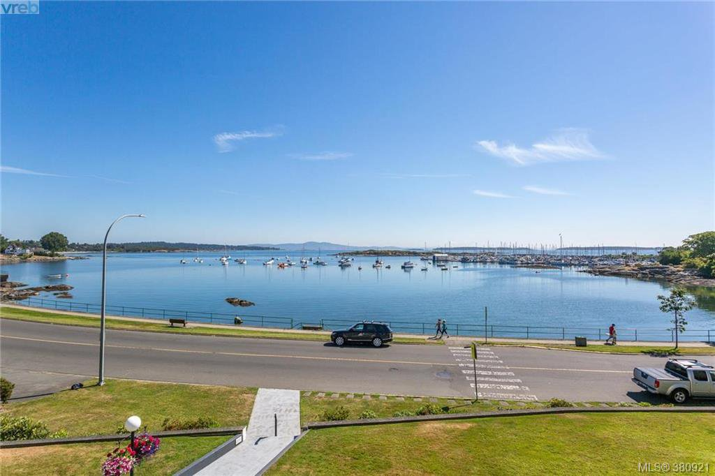 Main Photo: 308 1450 Beach Drive in VICTORIA: OB South Oak Bay Condo Apartment for sale (Oak Bay)  : MLS®# 380921