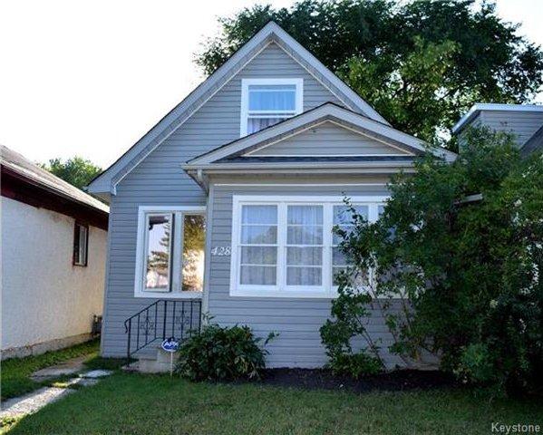 Main Photo: 428 Inglewood Street in Winnipeg: St James Residential for sale (5E)  : MLS®# 1722498