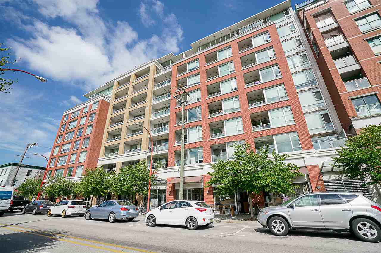 "Main Photo: 219 221 UNION Street in Vancouver: Mount Pleasant VE Condo for sale in ""V6A"" (Vancouver East)  : MLS®# R2201874"