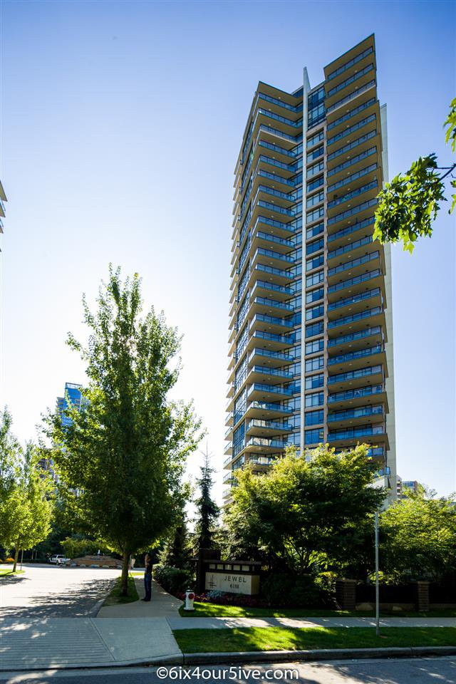 "Main Photo: 2301 6188 WILSON Avenue in Burnaby: Metrotown Condo for sale in ""JEWEL I"" (Burnaby South)  : MLS®# R2202465"