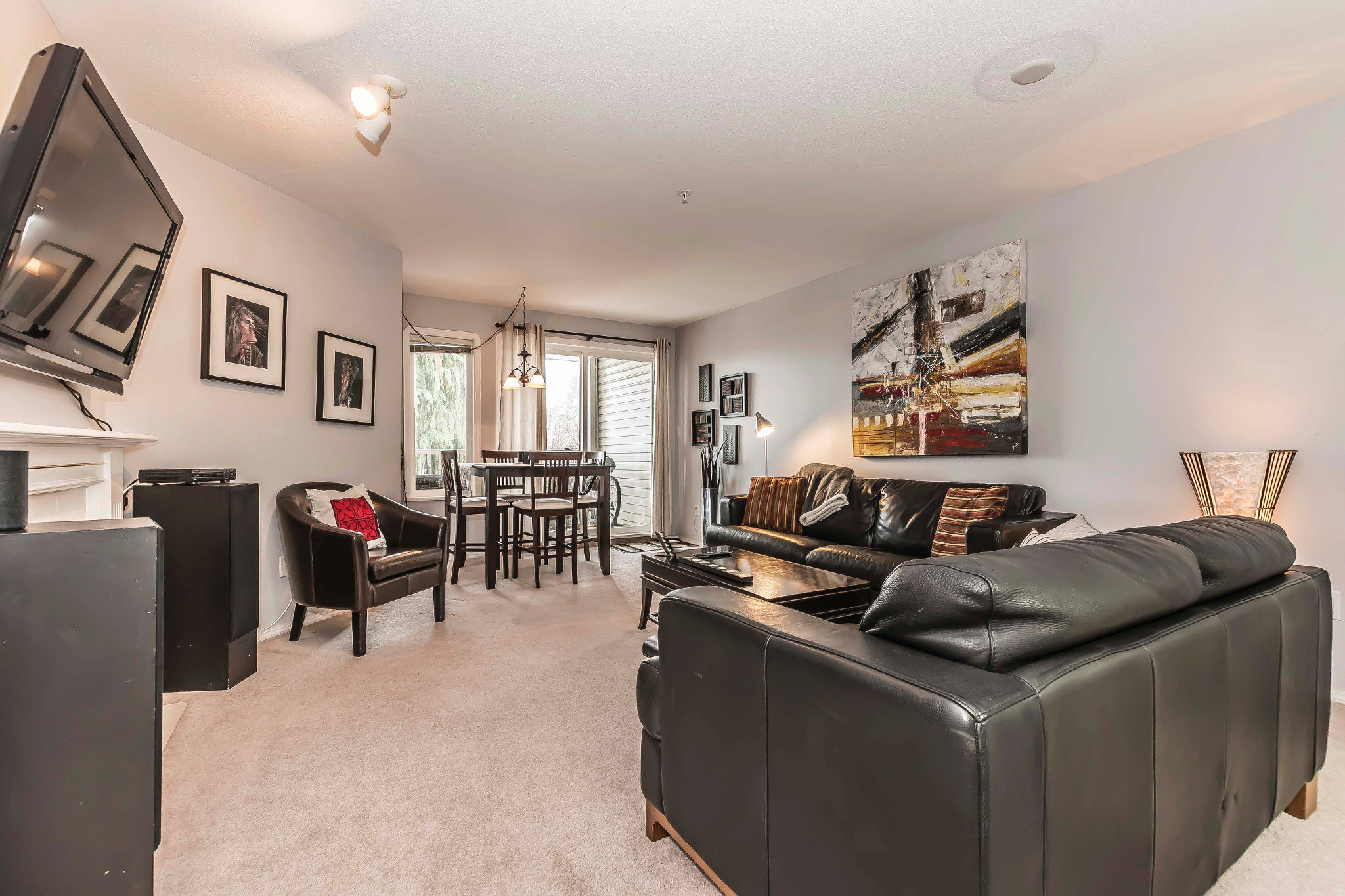 Photo 2: Photos: 210 46693 Yale Road in Chilliwack: Condo for sale : MLS®# r2231167