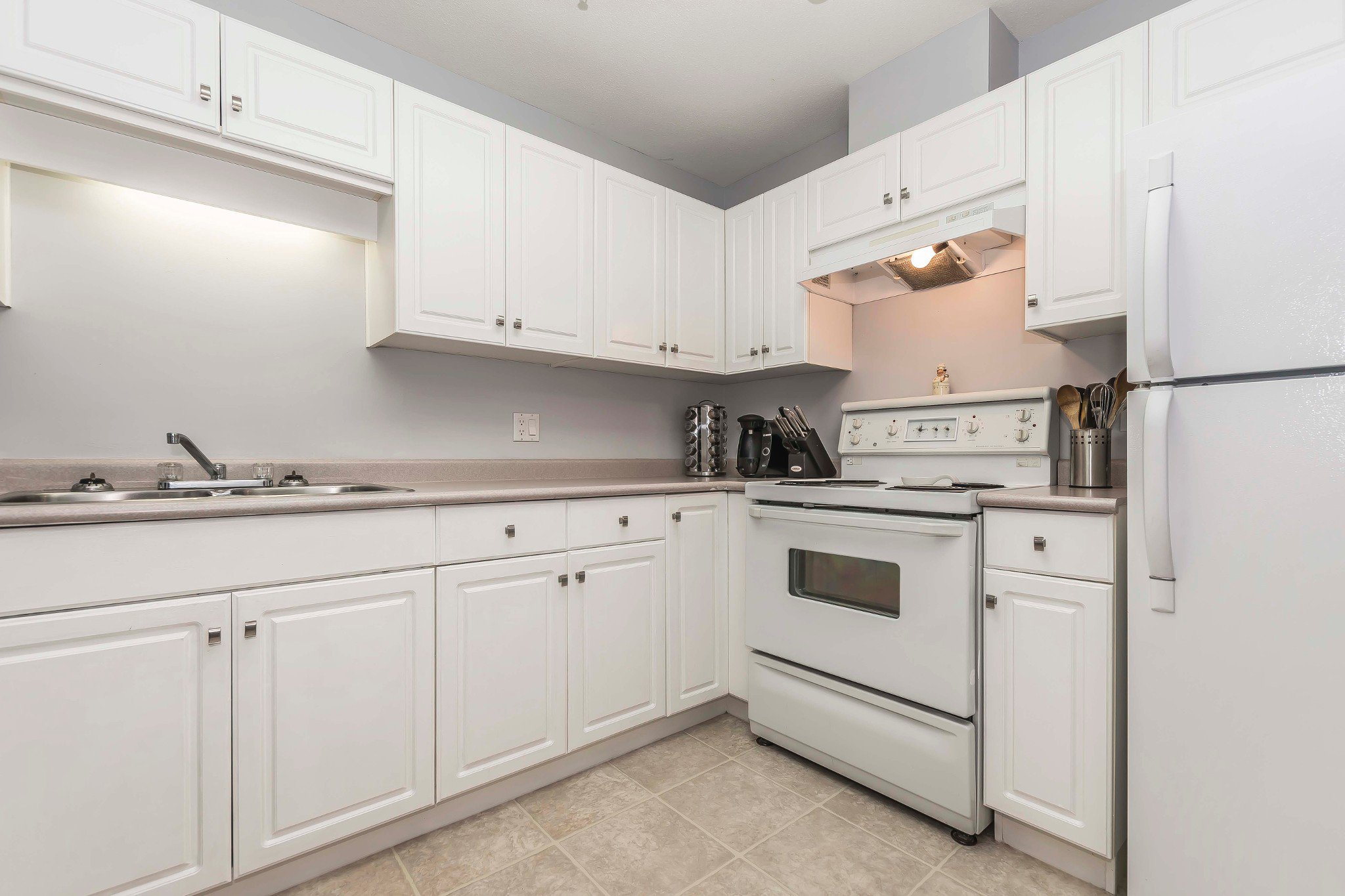 Photo 11: Photos: 210 46693 Yale Road in Chilliwack: Condo for sale : MLS®# r2231167