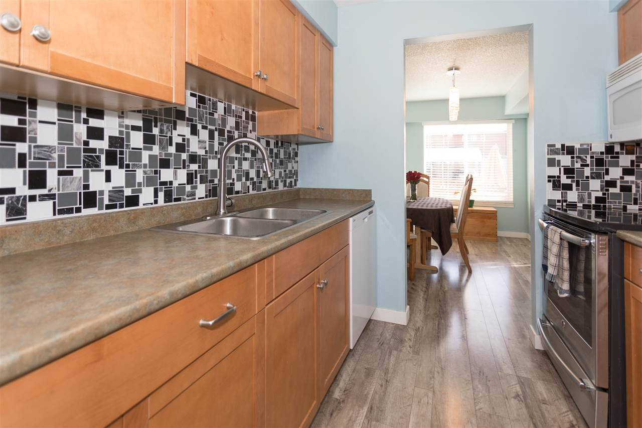 """Photo 6: Photos: 10 1500 JUDD Road in Squamish: Brackendale Townhouse for sale in """"The Cottonwoods"""" : MLS®# R2242034"""