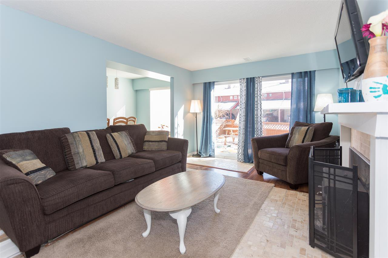 """Photo 3: Photos: 10 1500 JUDD Road in Squamish: Brackendale Townhouse for sale in """"The Cottonwoods"""" : MLS®# R2242034"""
